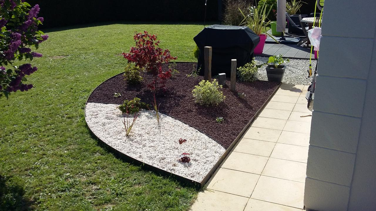 Plantation cr ation de massifs paillage - Deco jardin massif strasbourg ...