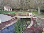 Plantation autour d'un bassin